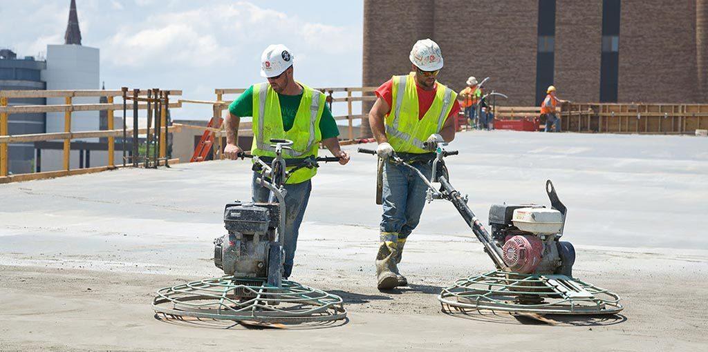 Выбираем затирочную машину по бетону: нюансы и особенности покупки